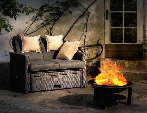 Ohniště pro příjemné podzimní večery na terase