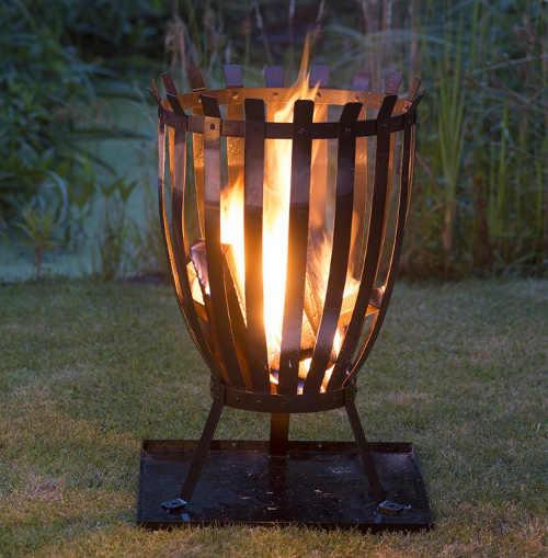 Zahradní ohniště s popelníkem