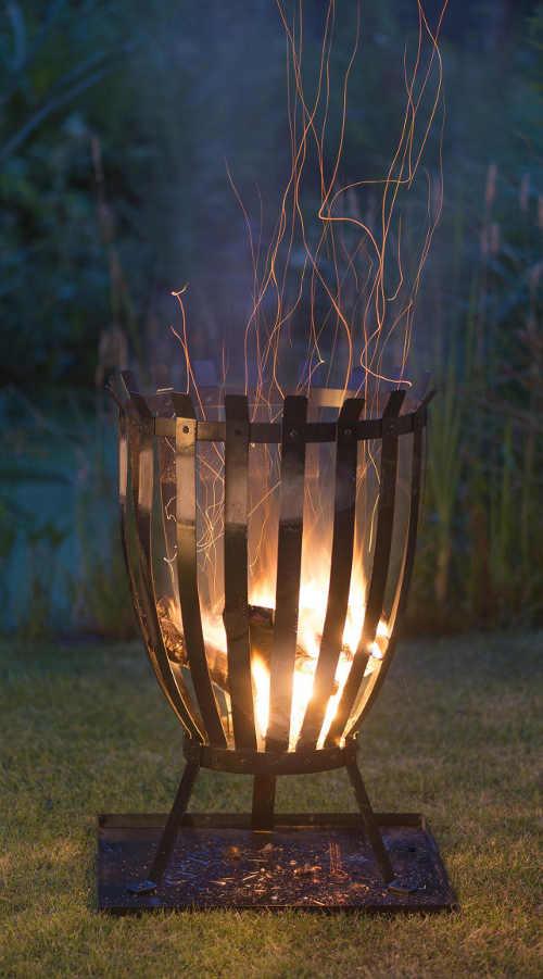 Kovový zahradní koš na oheň