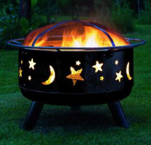 Zahradní ohniště s motivem noční oblohy