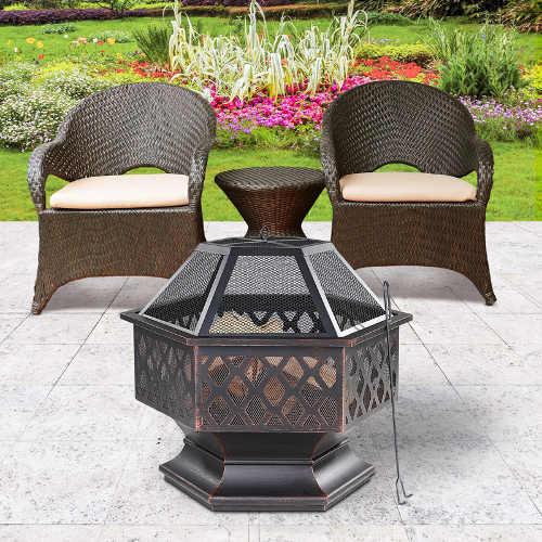 Kovové zahradní ohniště pro grilování na terase