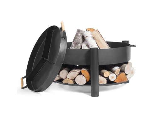 černé kovové ohniště cooking