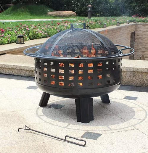 Praktické kovové zahradní ohniště na terasu